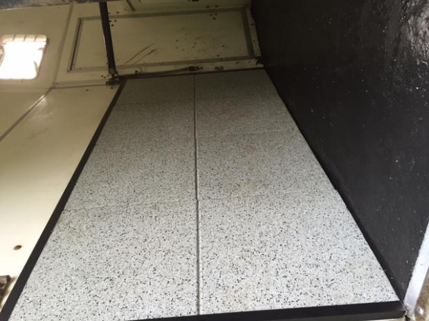 Gietvloer trailer flexidal rubber